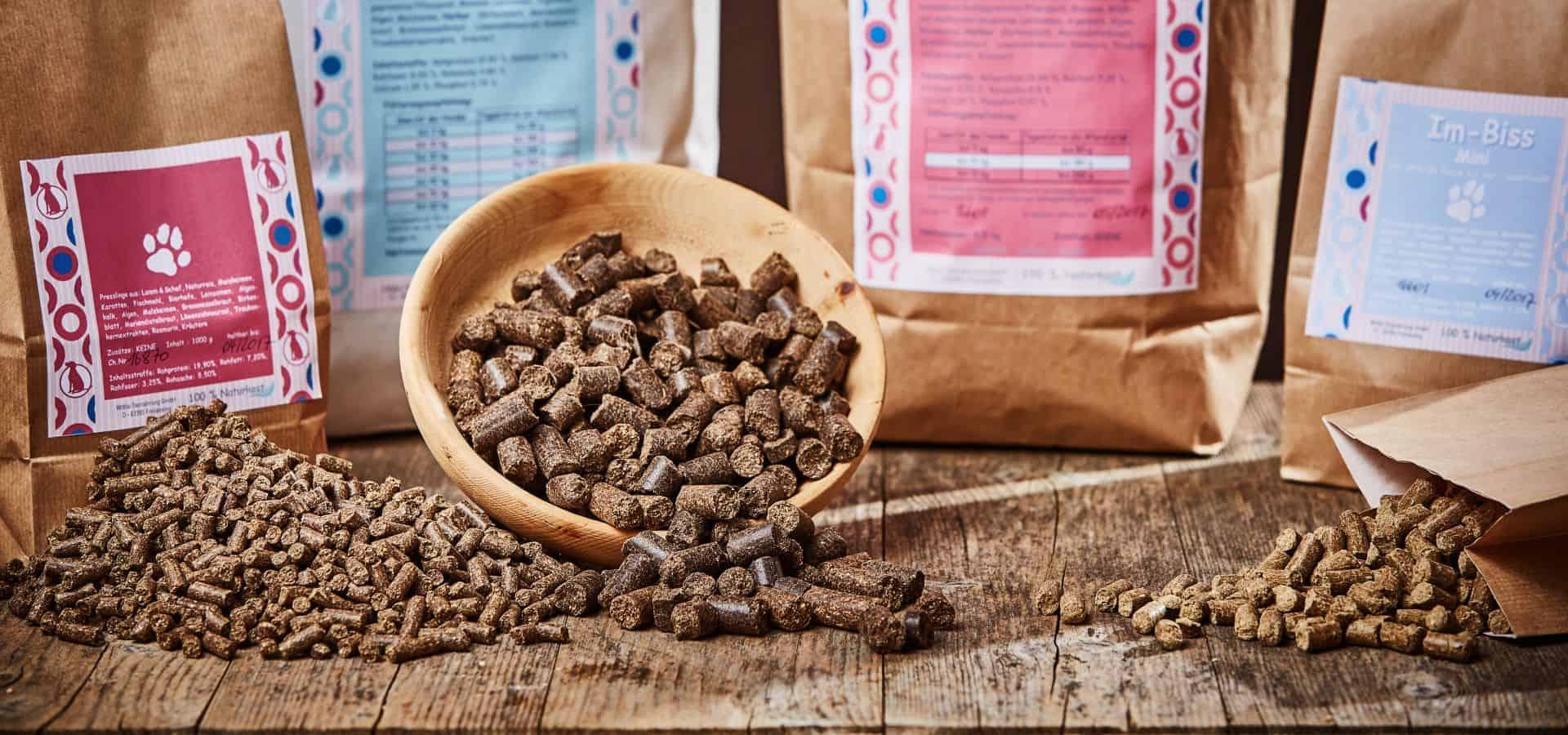 hochwertiges kalt gepresstes Trockenfutter